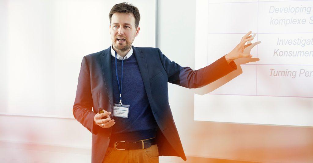 Karlshochschule Studiengang Managament Prof. Dr. Dr. Björn Bohnenkamp